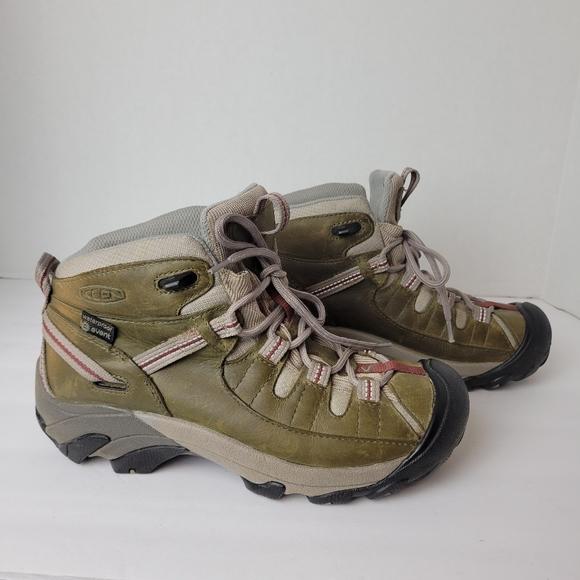 Keen Targhee II hiking boots